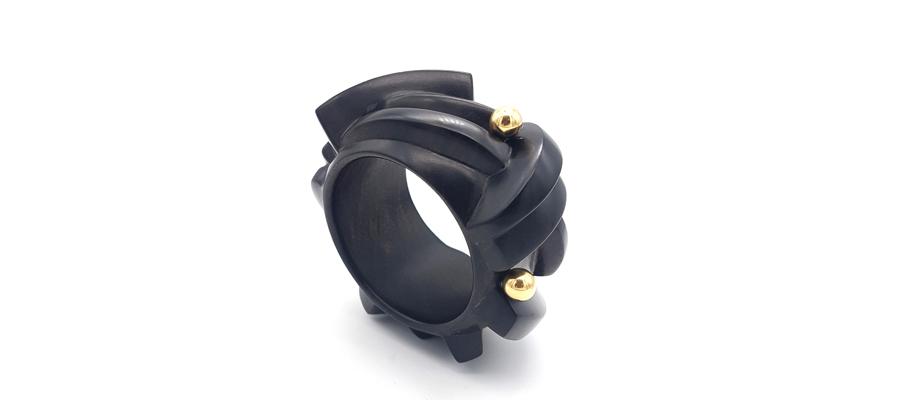 Vari-Anteros-bracelet-slide
